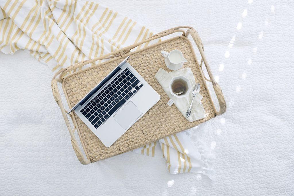 ventajas fiscales del renting de un ordenador, móvil o tablet
